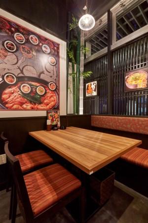 テーブル席 2名~4名席