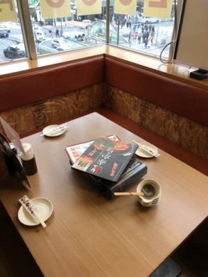 2~4名様のテーブル席!!